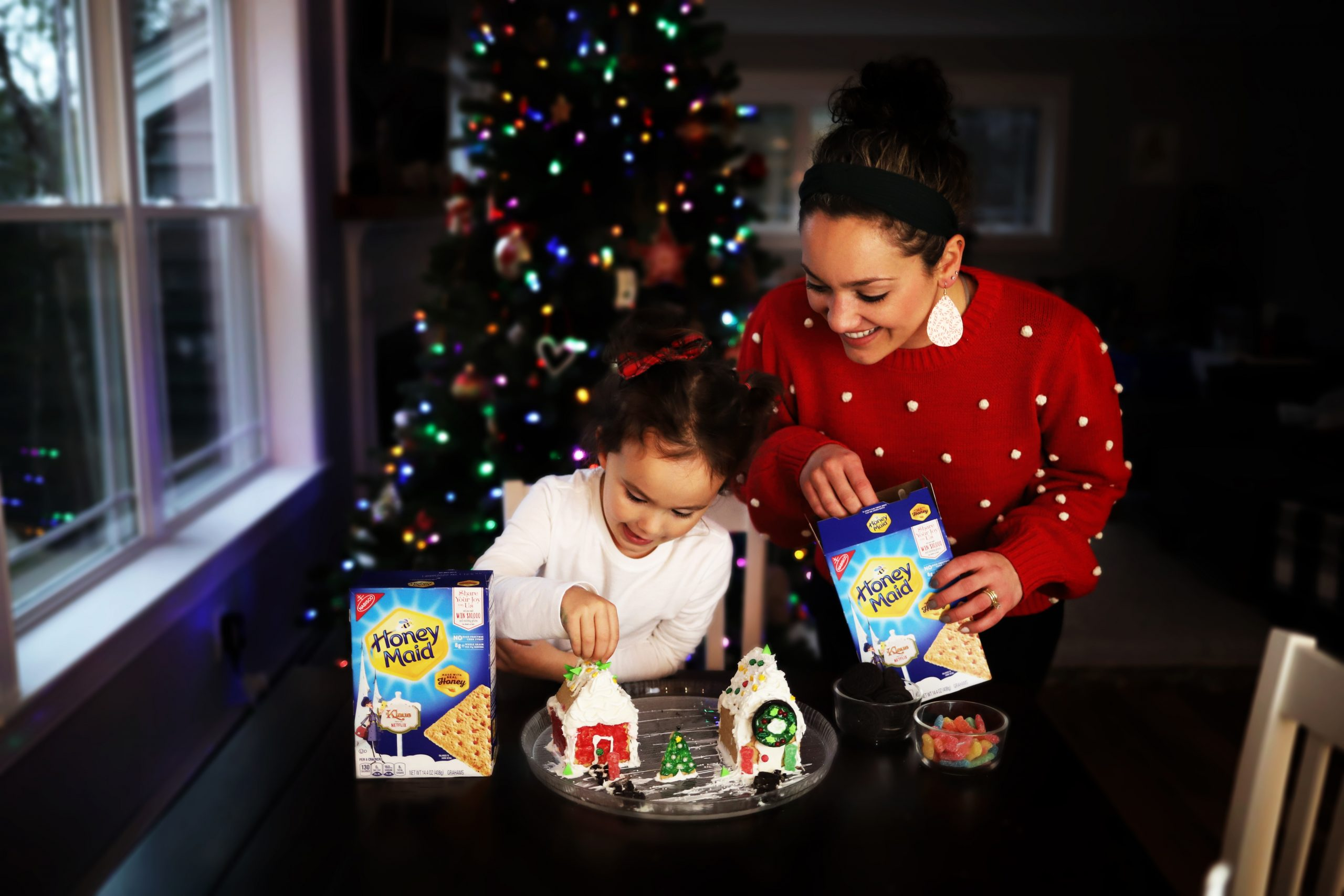 Creating Holiday Houses with Honey Maid graham crackers